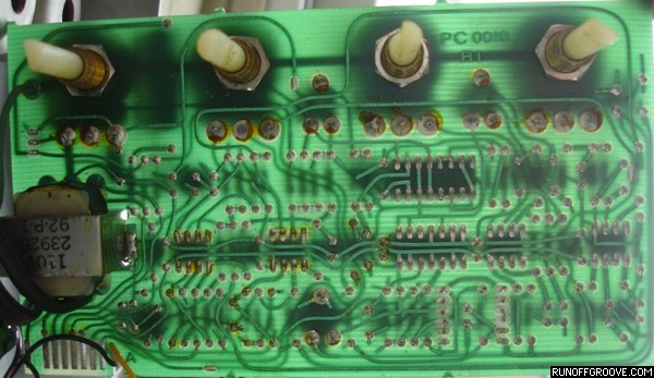 Ross Flanger circuit board xray view
